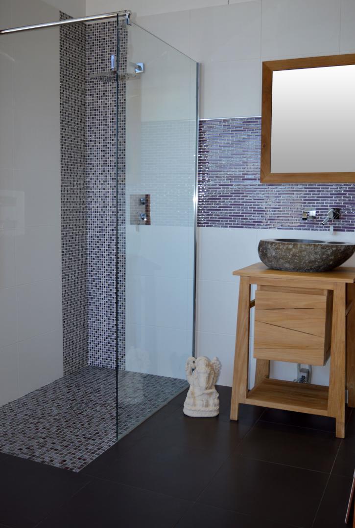 Receveur Mosaique Verre Craquele 140 Cm Acqualine Faience 33x45 Blanc Mat Meuble En Bois